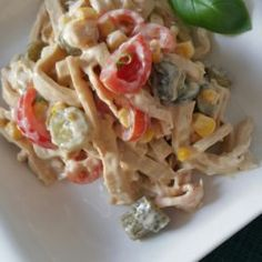 Low Carb Nudelsalat Low Carb, Chicken, Food, Dairy, Tomatoes, Hcg Recipes, Noodle Salads, Fresh, Food Portions