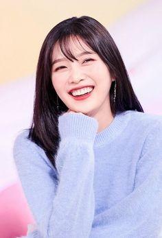 Check out Black Velvet @ Iomoio Seulgi, Red Velvet Joy, Black Velvet, Asian Woman, Asian Girl, K Pop, Red Velet, Soyeon, Ulzzang Girl