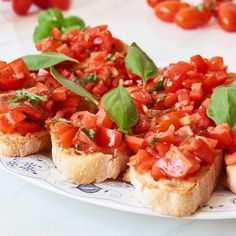 Bruschetta Rezept - mit Tomaten | Gustinis Feinkost Blog Keto Lunch Ideas, Quick Easy Meals, Tapas, Finger Foods, Meal Prep, Brunch, Food And Drink, Diet, Vegan