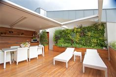 #Outdoor #VerticalGarden - www.sundaritalia.com