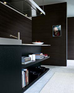 Lacquered wooden kitchen MATRIX by Varenna by Poliform   design Paolo Piva