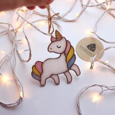 Stained Glass Animals Ideas For You - Cool Glass Art Designs Stained Glass Window Film, Stained Glass Ornaments, Stained Glass Christmas, Stained Glass Suncatchers, Stained Glass Crafts, Stained Glass Designs, Stained Glass Patterns, Pot A Crayon, Tiffany Glass