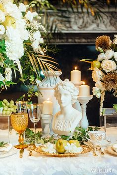 This Ancient Greece Themed Wedding has Decor Fit for the Gods.| Photography By: Erik K Choi Photography | WedLuxe Magazine | #wedding #luxury #weddinginspiration #tabledecor #decor #glassware