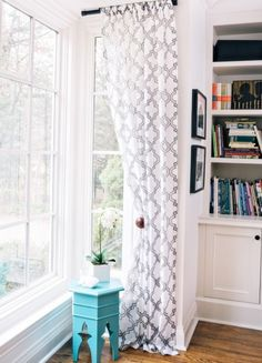 Tonya see how they added one panel to that awkward small window. Corner Curtains, Grey Curtains, Patterned Curtains, Living Room Colors, Formal Living Rooms, Living Spaces, Bedroom Decor, Girls Bedroom, Bedroom Ideas