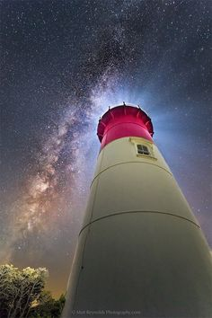 New England lighthouse by Matt Reynolds