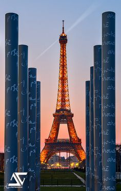 ~~ //// ^ \\\\ by A.G. Photographe - Tour Eiffel, Paris, France~~