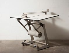 FRISO KRAMER PROFESSIONAL DRAFTING TABLE
