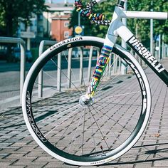How awesome is the thickslick in white? #cycling #fixedgear #fixie #bicycle #bikes