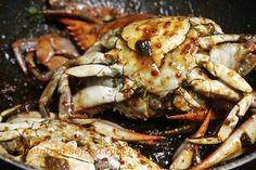 Roasted Crab with Tamarind Sauce Recipe (Cua Rang Me)