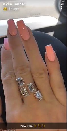 Kylie jenner street style after stormi birth best outfits nails Kylie Jenner Rings, Kendall Jenner, Coffin Nails Designs Kylie Jenner, Kylie Jenner Nails, Matte Nails, My Nails, Acrylic Nails, Acrylics, Mani Pedi