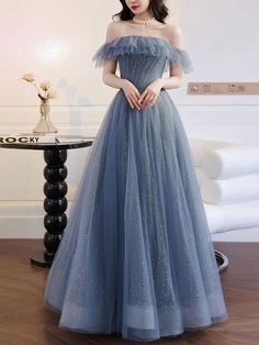 Prom Dresses With Sleeves, Gala Dresses, Beautiful Prom Dresses, Tulle Prom Dress, Homecoming Dresses, Pretty Dresses, Evening Dresses, Formal Dresses, Fancy Prom Dresses