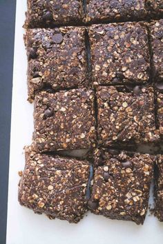Keto Snacks Discover No Bake Chocolate Peanut Butter Protein Bars Chocolate PB No Bake Protein Bars - Note to self: (Id like to use cacao powder cacao nibs along with my real choc. chips and maybe raw honey instead of dates? No Bake Protein Bars, Peanut Butter Protein Bars, Chocolate Protein Bars, Chocolate Peanut Butter, Homemade Protein Bars, Chocolate Shake, Peanut Butter Healthy Snacks, No Bake Granola Bars, Hazelnut Butter
