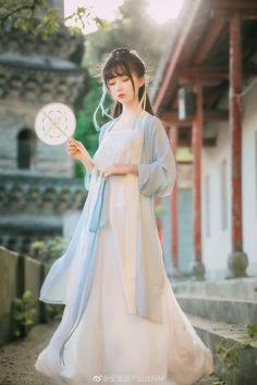 in 2019 Chinese Traditional Costume, Traditional Fashion, Traditional Dresses, Hanfu, Oriental Fashion, Asian Fashion, Short Girl Fashion, Korean Hanbok, China Girl