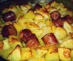 Nun te magnà tutte!: Salsicce e patate al forno Caterina, Potatoes, Vegetables, Food, Meal, Potato, Eten, Vegetable Recipes, Meals