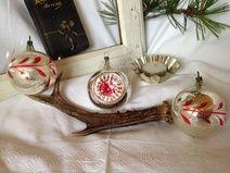 ★ 3 alte Christbaumkugeln silber-rot-weiß ★
