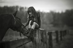 Little girl hanging out with her horse. I would love a photo if Aubree just like this!!
