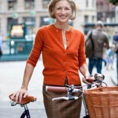 Составляем базовый гардероб для женщины 50 лет: 39 фото