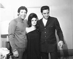 1968 4 06 Tom Jones, Priscilla and Elvis Presley Flamingo Hotel, Las Vegas Tom Jones, Priscilla and Elvis Presley Flamingo Hotel, Las Vegas