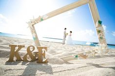 Hospitable automated beach wedding destinations discover here Pre Wedding Poses, Wedding Couple Poses Photography, Pre Wedding Photoshoot, Wedding Shoot, Wedding Tips, Foto Wedding, Beach Wedding Photos, Beach Wedding Favors, Wedding Pictures