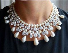 @z.ulg. A statement #pearl and #diamond #necklace by the iconic Harry Winston