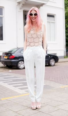 Chantal Van Der Meijden (Cocorosa) - Zara top, H & M trousers, Zara shoes, and Urban Outfitters Daisy Sunglasses.