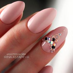 Fresh And Trendy Ways To Match Your Prom Nails Colors With Your Dress Fresh And Trendy Ways To Match Your Prom Nails Colors With Your Dress: Nail Colors For Red Prom Dress Swarovski Nails, Crystal Nails, Rhinestone Nails, Bling Nails, Nail Designs Bling, Acrylic Nail Designs, Nail Art Designs, Acrylic Nails, Gorgeous Nails