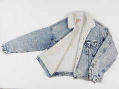 90s LEVIS sherpa lined trucker jacket acid wash denim jacket coat women men vintage by GLITTERSTREET on Etsy