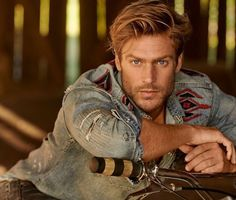 Ralph Lauren enlists model Jason Morgan as the star of its fall-winter 2019 campaign. Venturing outdoors, Jason embraces all American style. Beautiful Men Faces, Gorgeous Men, Beautiful Boys, Red Hair Men, Redhead Men, Ginger Men, Poses For Men, Most Handsome Men, Hair And Beard Styles