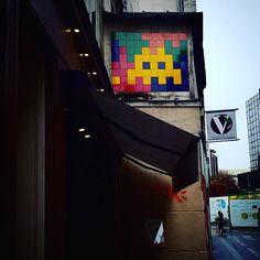 Tu es soleil of  today :-) :-) Invader#invader#streetart#streetartparis#lovestreetart#invaderwashere#art#urban#poetry#invader#seemyparis#seemycity