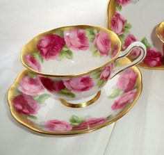 ROYAL ALBERT Old English Rose Treasure Chest Series Vintage Cup and Saucer. Pink Roses Rich Gold Gild Teacup and Saucer Tea Set 2 Available