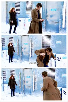 GIFset~~ Ladies and Gentlemen, Donna Noble. The most important woman in the Universe! >>> I love how the Doctor and Donna's relationship isn't romantic. Doctor Who Funny, Bbc Doctor Who, 10th Doctor, Catherine Tate, Broadchurch, Donna Noble, Out Of Touch, Time Lords, David Tennant