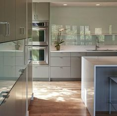 Love the cupboards and colour Kitchen Cabinets, Cupboards, Kitchen Interior, Table, Kitchens, Colour, Furniture, Home Decor, Armoires
