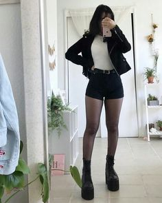 ideas for style vestimentaire femme gothique Edgy Outfits, Korean Outfits, Mode Outfits, Cute Casual Outfits, Girl Outfits, Fashion Outfits, Cute Grunge Outfits, Korean Clothes, Summer Outfits