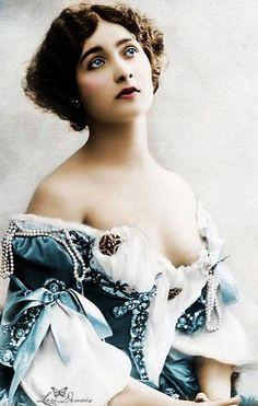 Lina Cavalieri (1875-1944 ) - c. 1900 - Italian operatic soprano - @~ Mlle