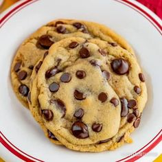 With a few easy tips, the classic Nestle Toll House Cookie recipe goes from good to great! Your friends and family will all want your making cookie secrets! Tollhouse Cookie Recipe, Chip Cookie Recipe, Cookie Recipes, Dessert Recipes, Delicious Desserts, Nestle Chocolate Chip Cookies, Semi Sweet Chocolate Chips, Toll House Chocolate Chip Cookie Dough Recipe, Cookie Calories
