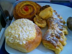 I found lots to do & see in the Faro in the Algarve; Hotels Portugal, Breakfast Pastries, Algarve, Santa Maria, Cool Places To Visit, Exploring, The Good Place, Blog, Blogging