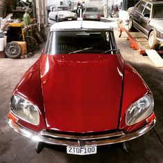 I helped shoot some classic French cars today. Citroen Ds, Manx, Classic Trucks, Classic Cars, Citroen Traction, Top Cars, Amazing Cars, Custom Cars, Peugeot