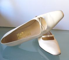 Made in Italy Salvatore Ferragamo Ivory Pumps  Size 9.5A by EurotrashItaly on Etsy