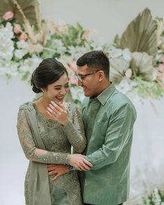 Engagement Shots, Engagement Dresses, Engagement Couple, Wedding Dresses, Kebaya Wedding, Model Kebaya, Simple Pakistani Dresses, Lace Corset, Photo Poses