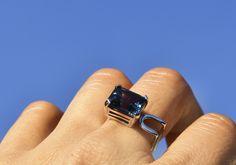London Blue topaz Sydney 18kt white gold ring