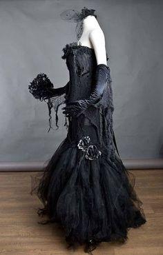 Witch Wedding, Pirate Wedding, Gothic Wedding, Old Dresses, Prom Dresses, Punk Wedding Dresses, Vampire Bride, Black Vampire, Pregnant Wedding Dress