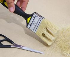 Truco-imitar-vetas-de-madera-brocha