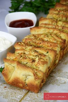 Tear-off garlic bread - New Year& Eve - I Love Food, Good Food, Yummy Food, Kitchen Recipes, Cooking Recipes, Bread Machine Recipes, Brunch, Polish Recipes, Christmas Cooking