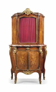 A FRENCH GILT-METAL MOUNTED, MAHOGANY AND MARQUETRY VITRINE CABINET - OF LOUIS XV STYLE, LATE 19TH CENTURY.