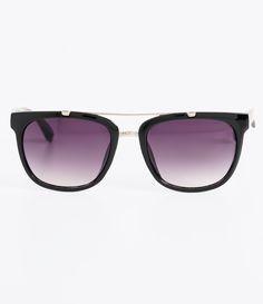 b095f71936c35 Óculos de sol Modelo quadrado Hastes em acetato Lentes fumê degradê Proteção  contra raios UVA