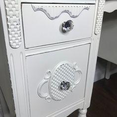 Vintage White Four Drawer Vanity with Mirror Glen Mills, Makeup Display, Crystal Knobs, Wood Detail, Vintage Vanity, Drawers, Vintage Items, Carving, Mirror