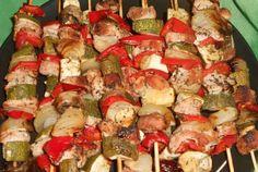 Frigarui din legume si carne de porc Caprese Salad, Martha Stewart, Zucchini, Lunch, Pork, Eat Lunch, Lunches, Insalata Caprese