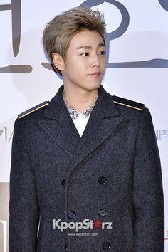 Lee Hyun Woo with blonde hair. He is allways so handsome.