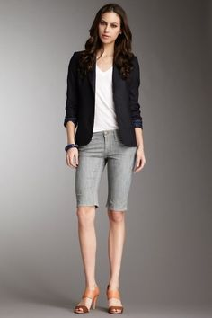 Simple outfit with a blazer and a chunky bangle. White tee and skinny, knee length bermuda shorts. It's not all short shorts, ladies.