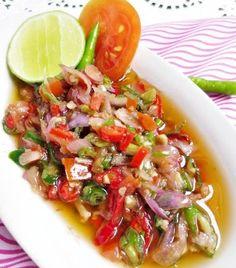 Fresh Balinese Sambal recipe, as known as sambal matah. Spicy Recipes, Seafood Recipes, Asian Recipes, Cooking Recipes, Healthy Recipes, Ethnic Recipes, Balinese Recipe, Sambal Sauce, Malay Food